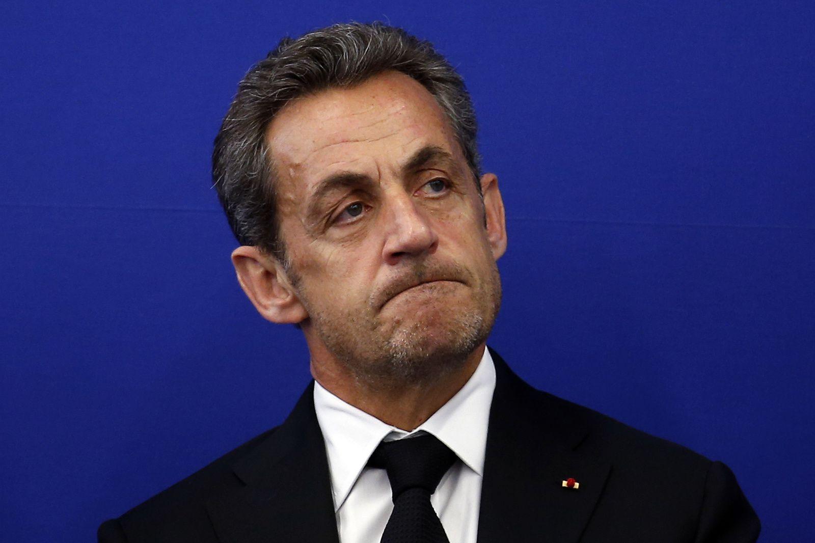 &quot&#x3B;FNPS&quot&#x3B; de Sarkozy : il oublie juste qu'il a caressé les fachos