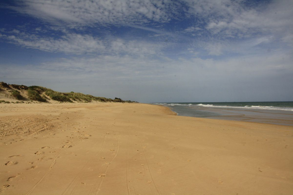La 90 miles beach