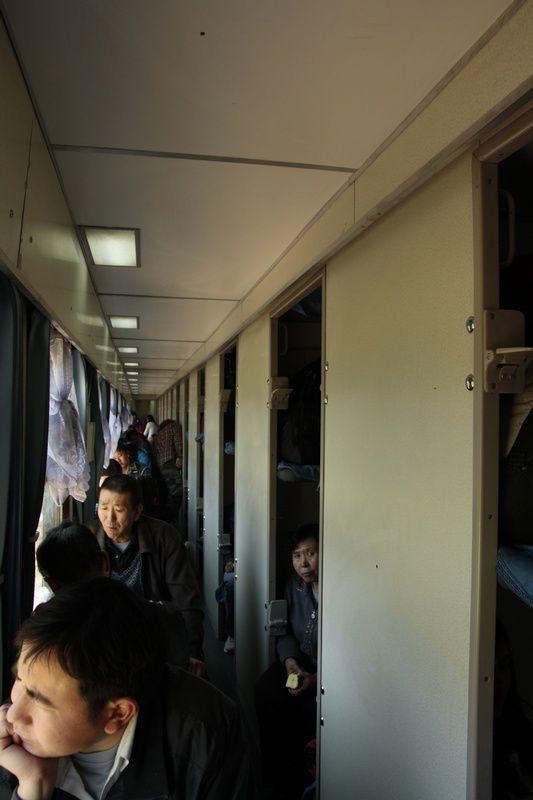 Dans les couloirs des wagons