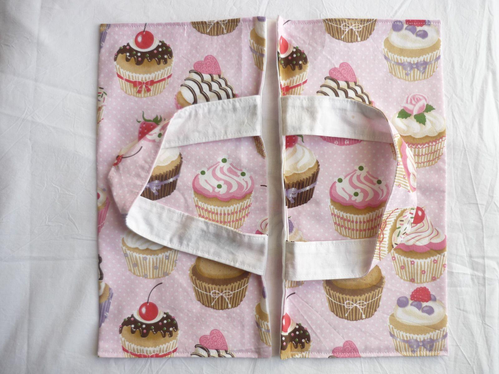 Coton Cup cake Tous Tissus, doublure drap blanc Mondial Tissu.