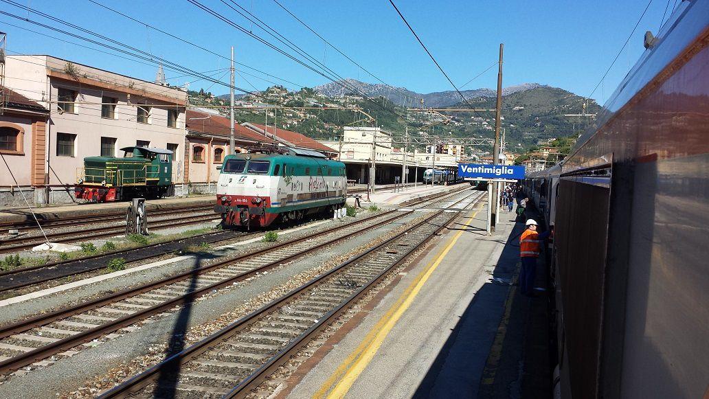 La gare de Vintimille, première gare après la frontière France/Italie