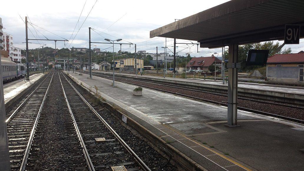 Arrêt en gare d'Annecy
