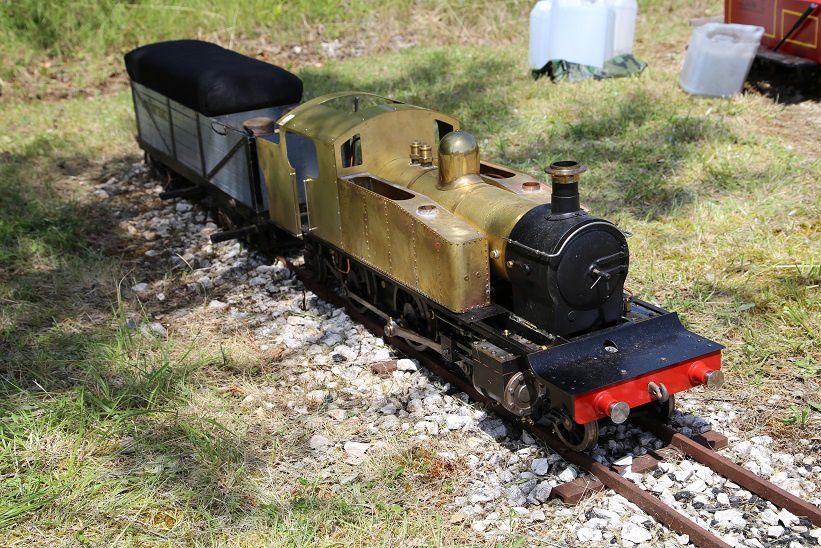 Les wagons, l'ensemble des machines, et des vues de détails sur les autres locos