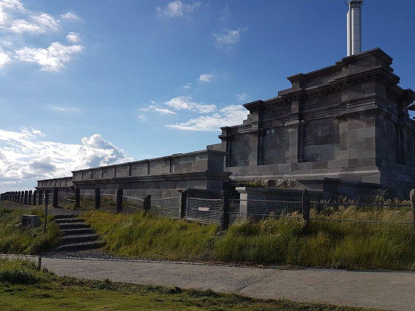 Quelques vues depuis le sommet ainsi que les ruines du Temple de Mercure.