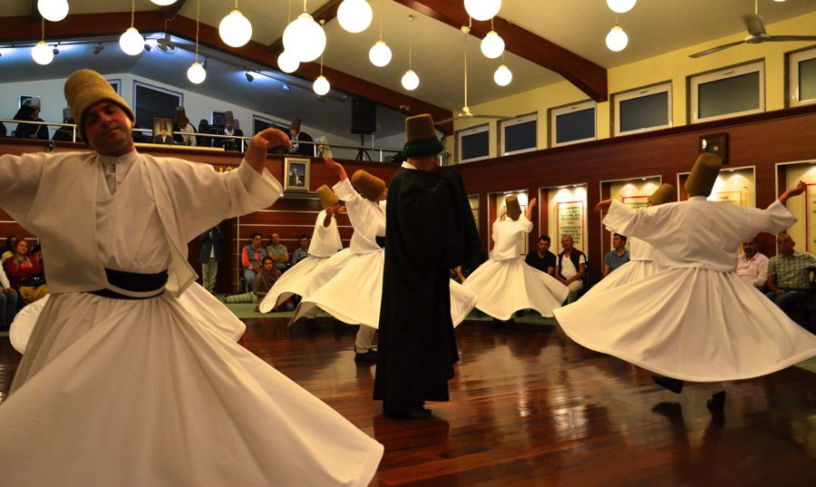 La danse  soufie : La Sema de l'Ayin mevlevi