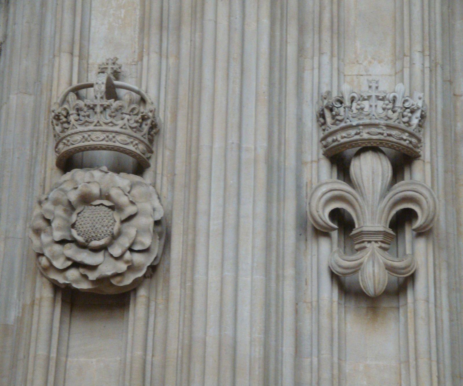 Les Armoiries Du Royaume Uni L Ordre De La Jarretiere Et Les Grands