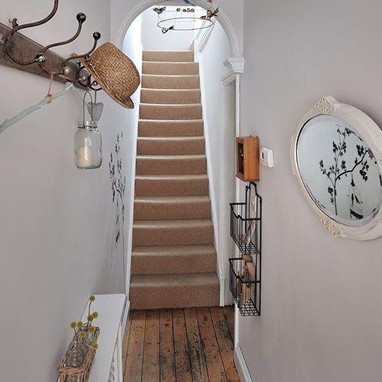 Les escaliers mènent au reste de la maison. Pensez également à leur décoration.