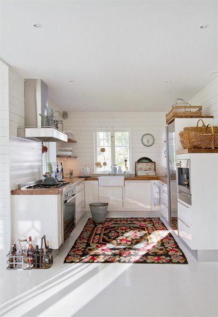 Tapis dans une cuisine (tapis d'orient, mergoum, kelim...)