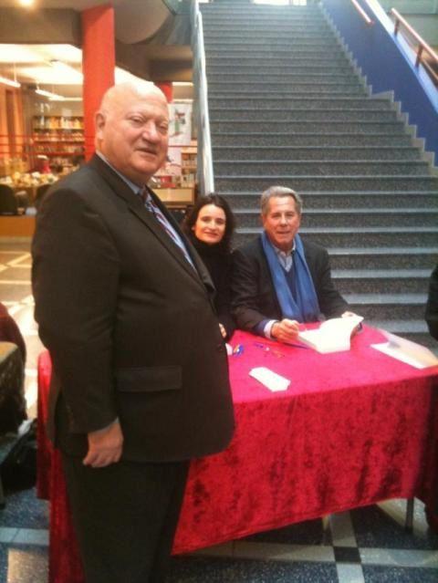 Inauguration du salon du livre en présence d'André Santini, maire d'Issy les Moulineaux