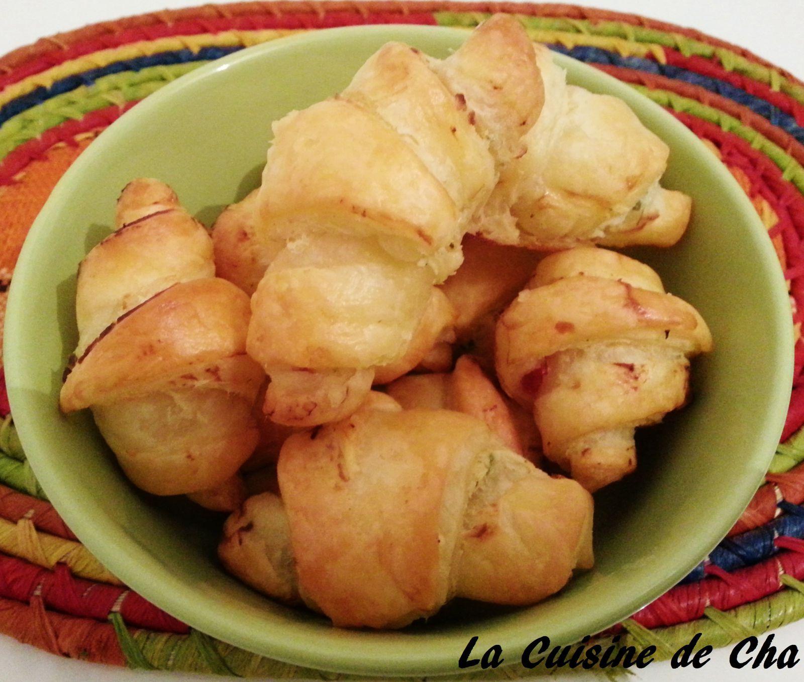 Mini-croissants bacon ail et fines herbes