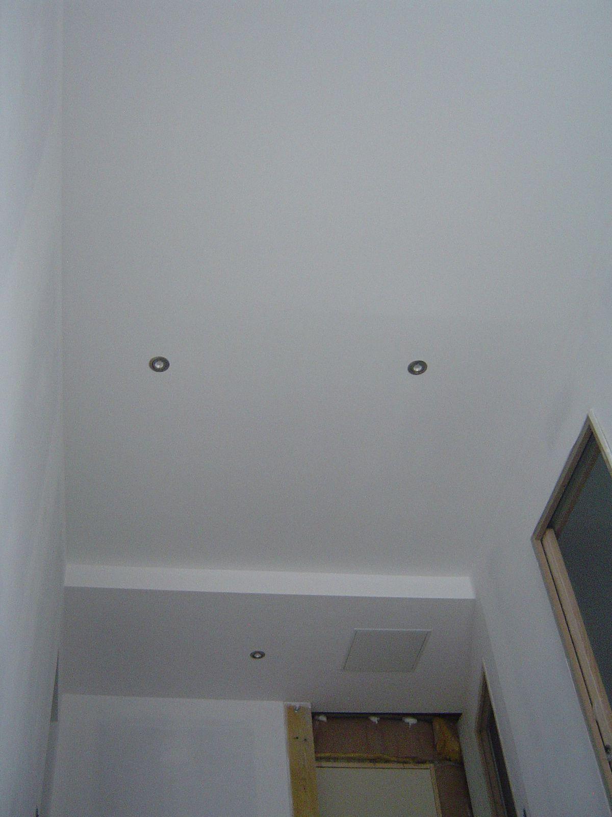 Peinture plafond et pose des spots for Peinture plafond