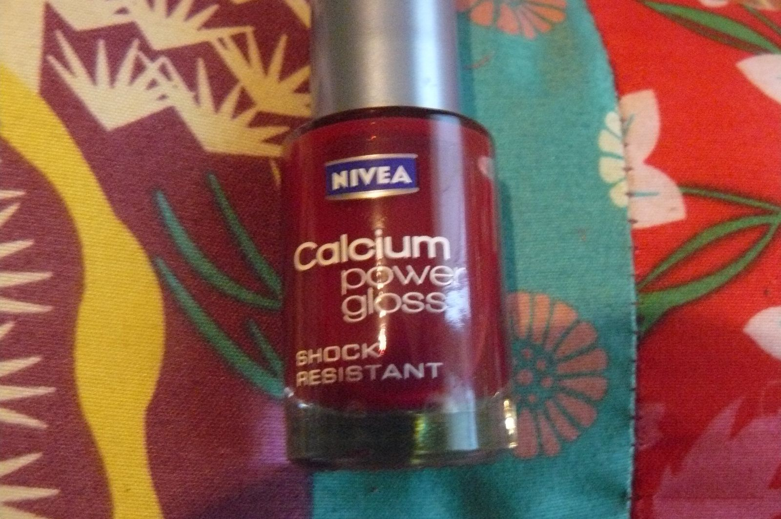 "Nivea ""Calcium power gloss"" N°96 Fuchsia Gloss"