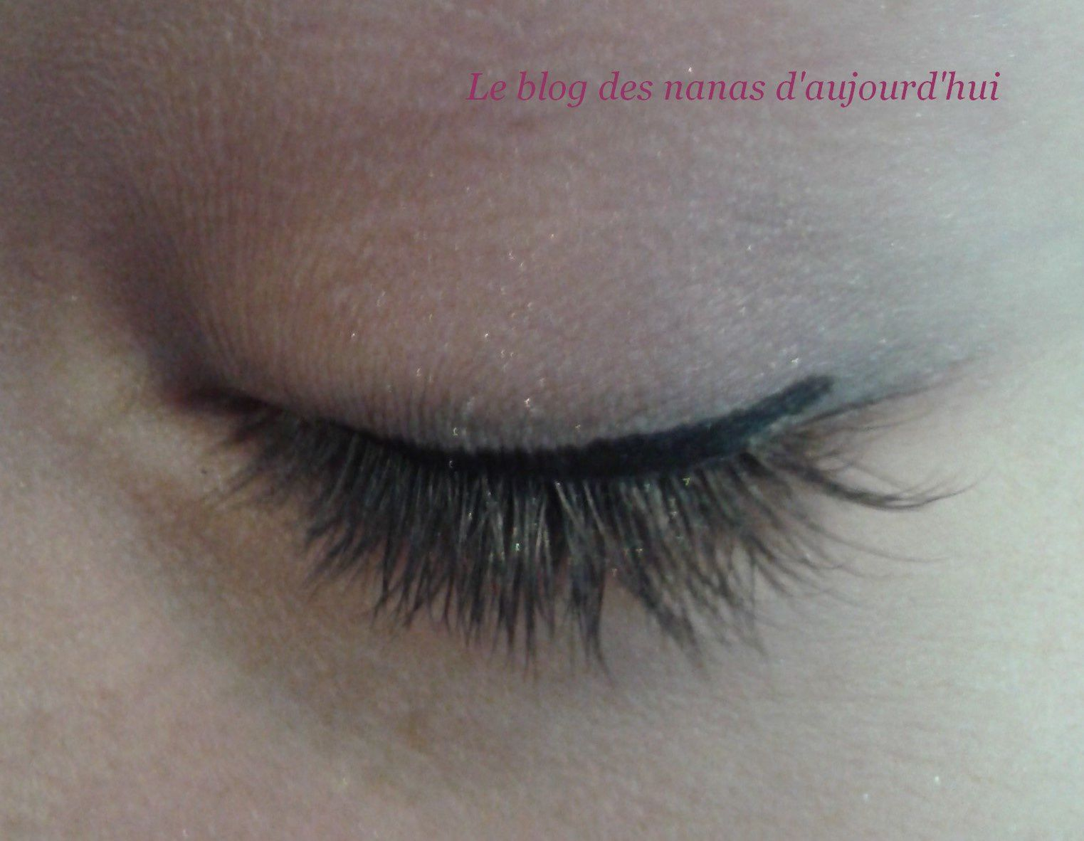 Maquillage gris