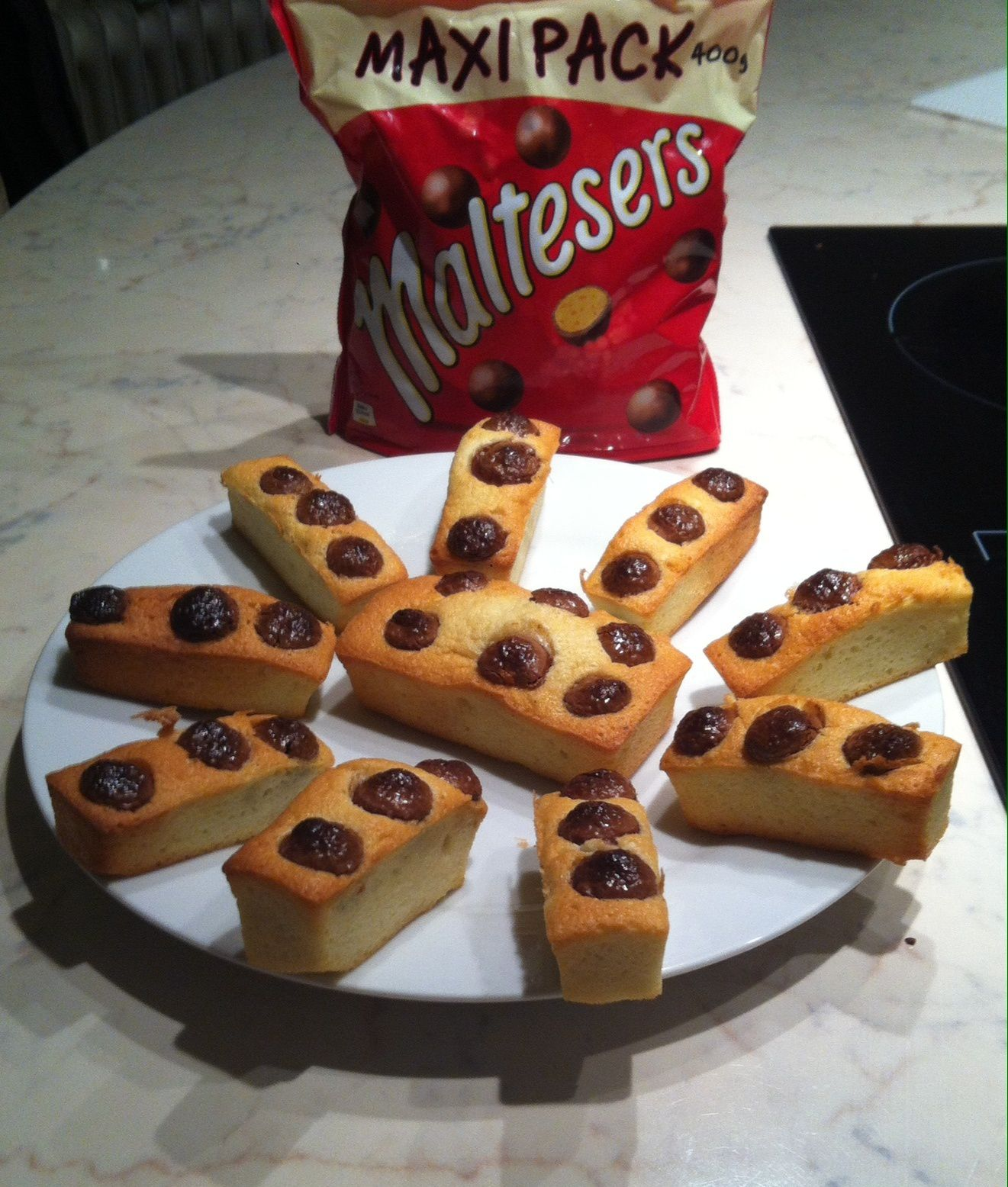 financiers aux maltesers