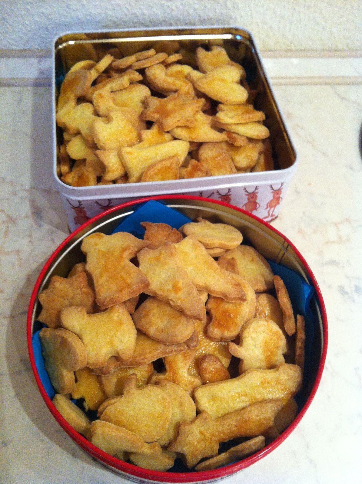 butterbredeles (petits fours au beurre)
