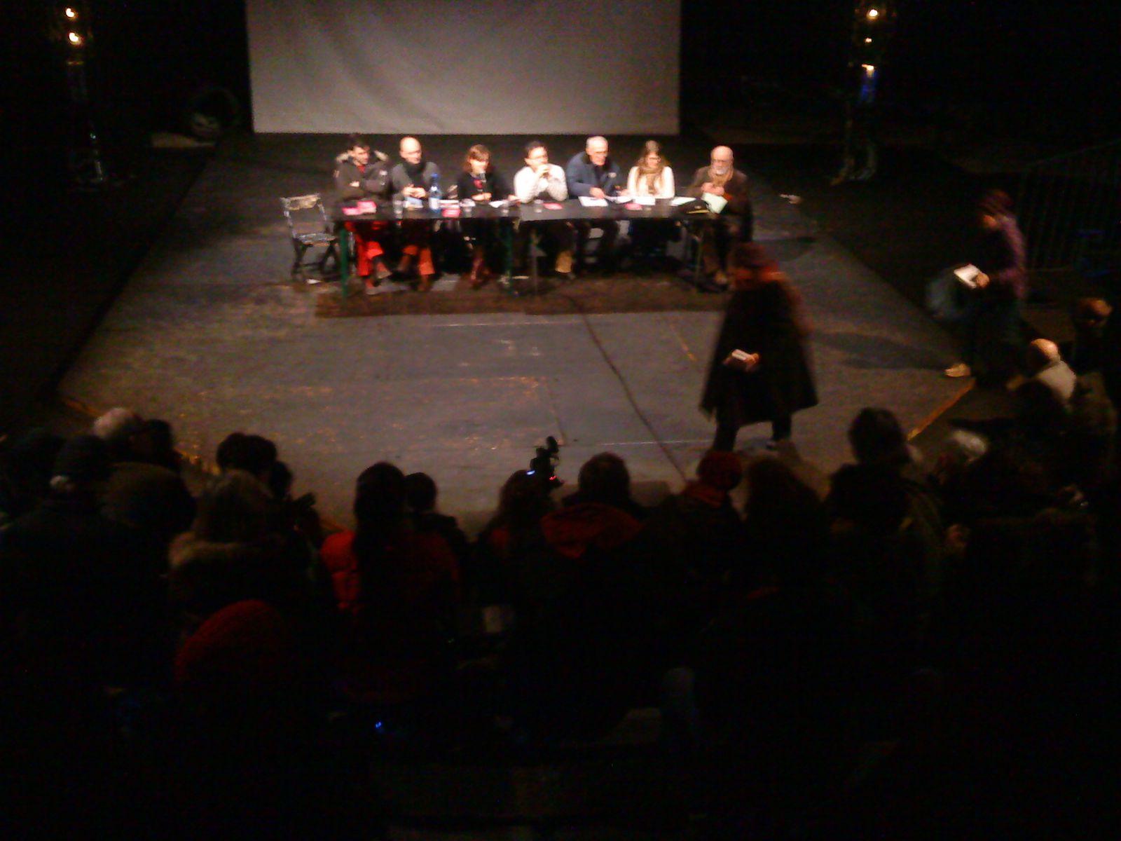 """Une très belle journée au CIRQUE ELECTRIQUE , projection du film de Tony Gatliff """"latchodrome"""" suivi d'un débat sur les conditions de vie des Roms dans notre pays."""