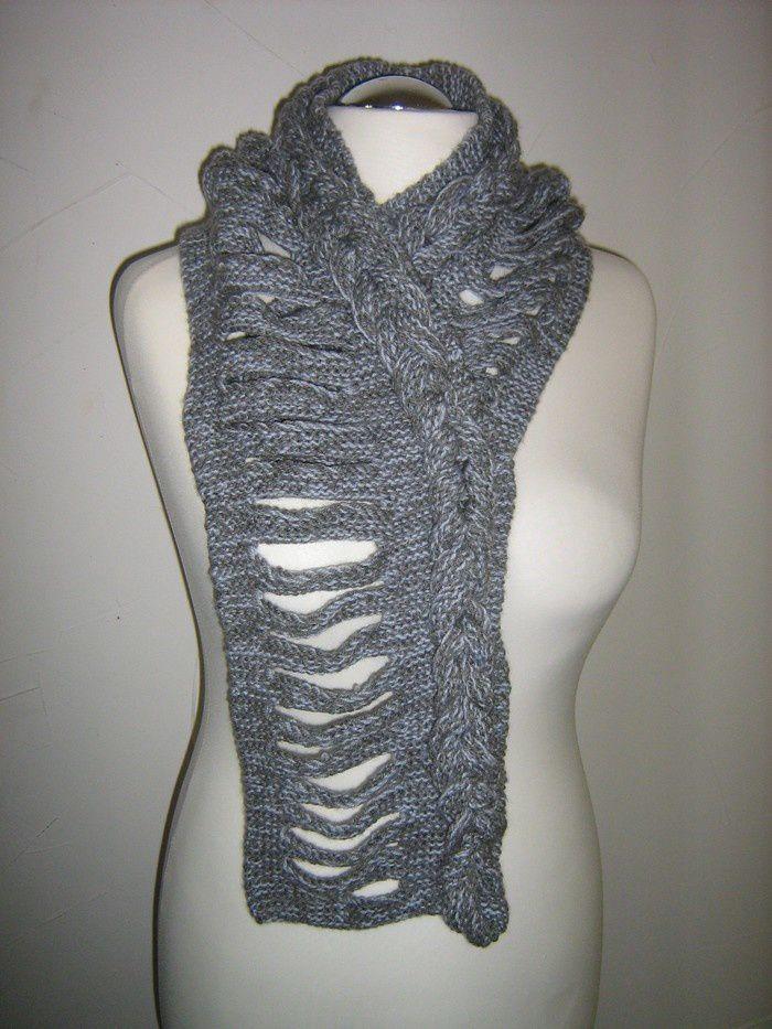 Les foulards à lanières de Michèle