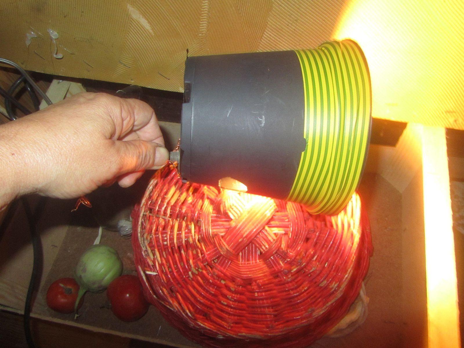 sperauovo costruito con vaso di plastica