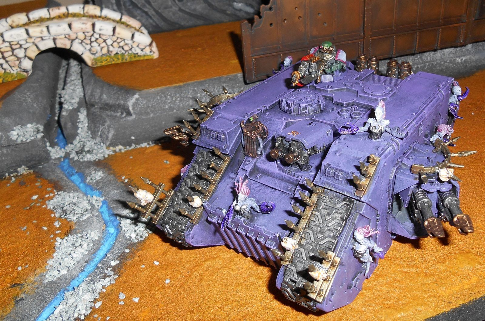 Land Raider du Chaos