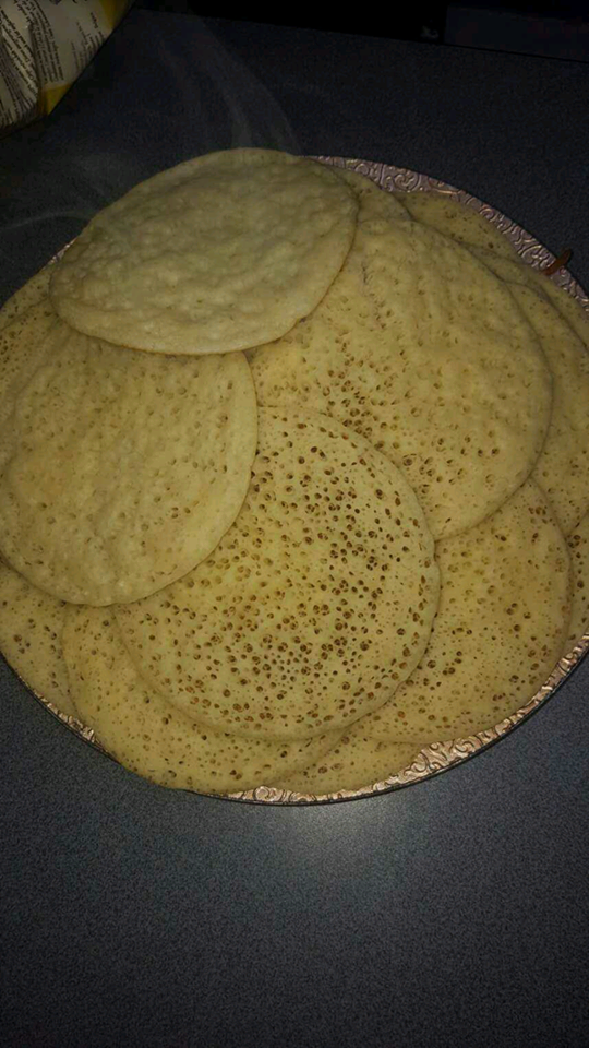 http://www.lesdelicesdekenza.com/2015/06/baghrir-ou-crepe-mille-trous.html