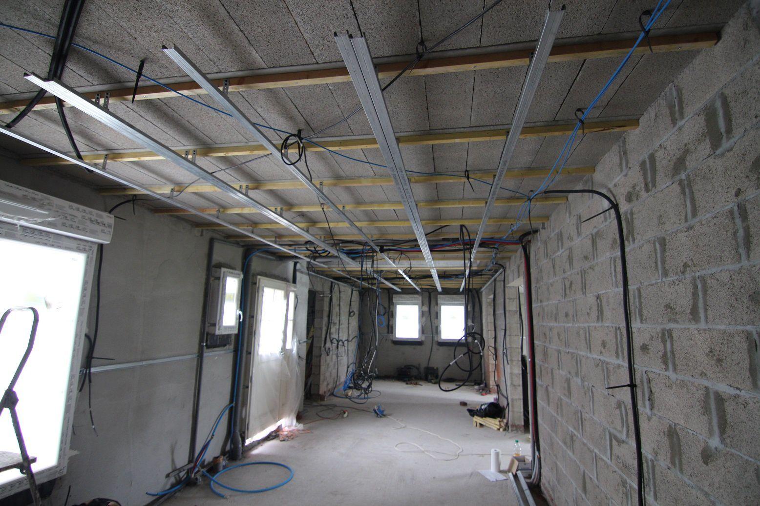 suspentes fourrures et placo passsage conduits vmc juillet 2013 la maison de charlotte. Black Bedroom Furniture Sets. Home Design Ideas