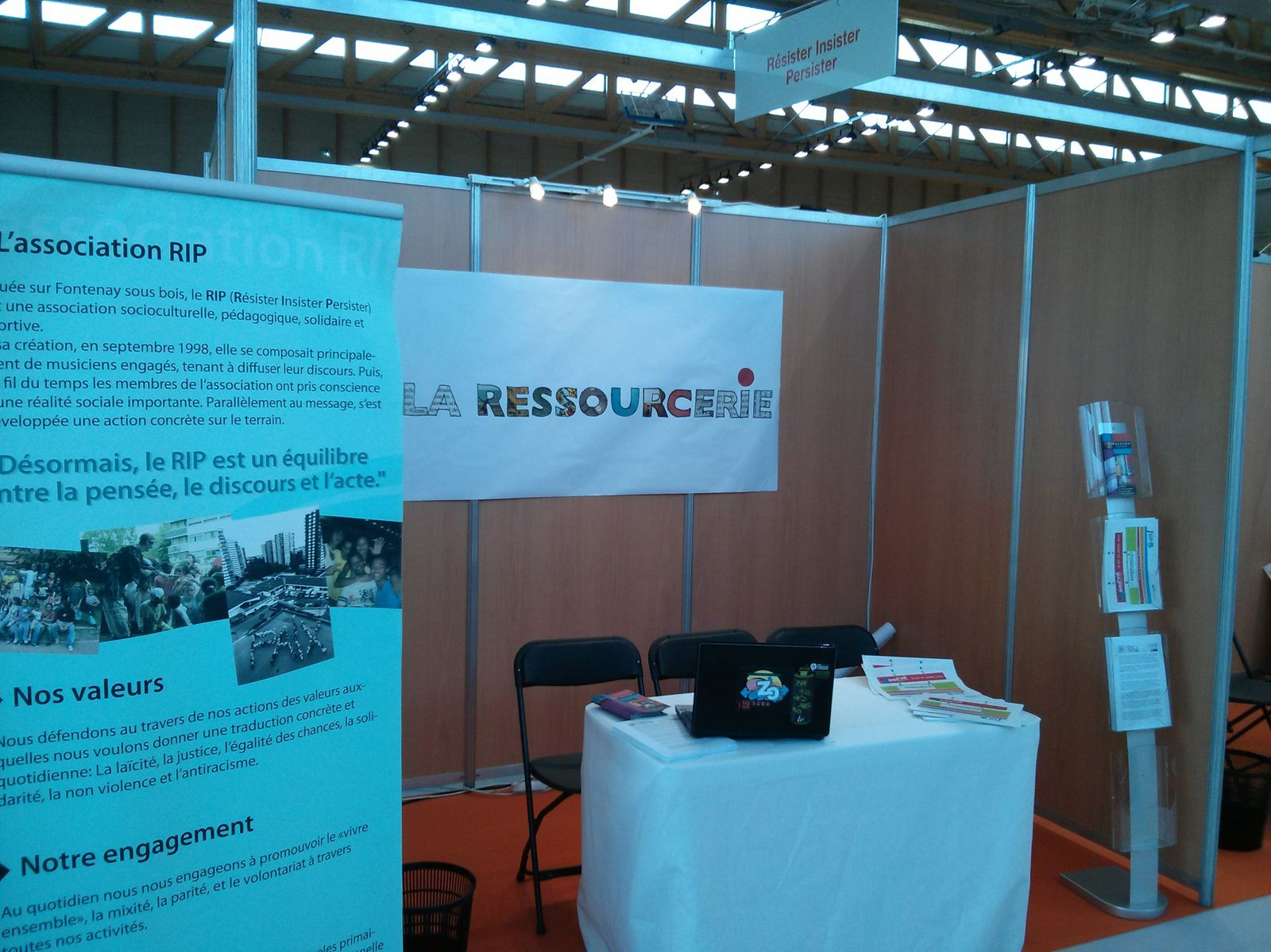 Photo stand ressourcerie Equival