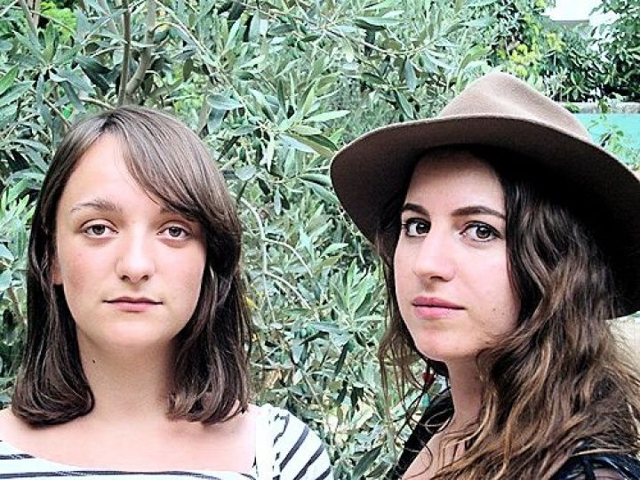 Chloé et Iliriane, photo extraite du blog Okéanews.