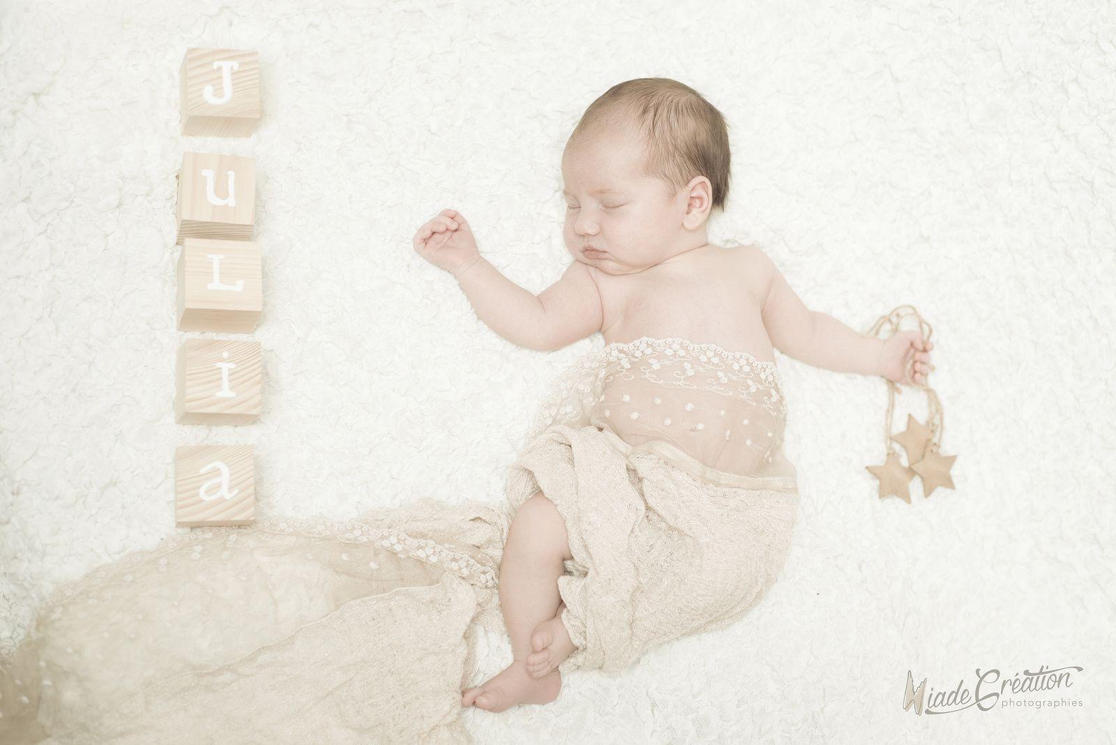 Julia 3 semaines séance nouveau né