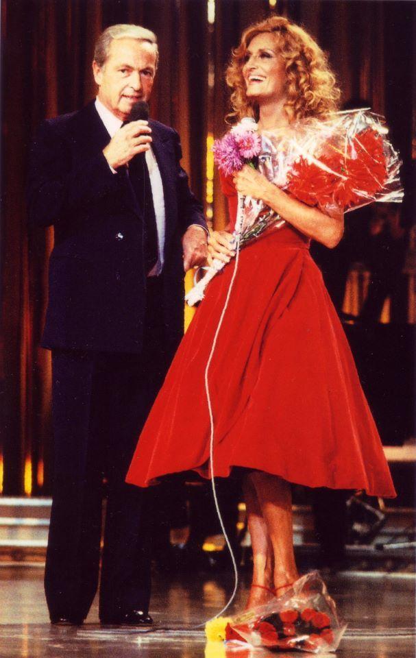 Dalida et Guy Lux pour le final d'un Palmarès à la télévision en septembre 1981.