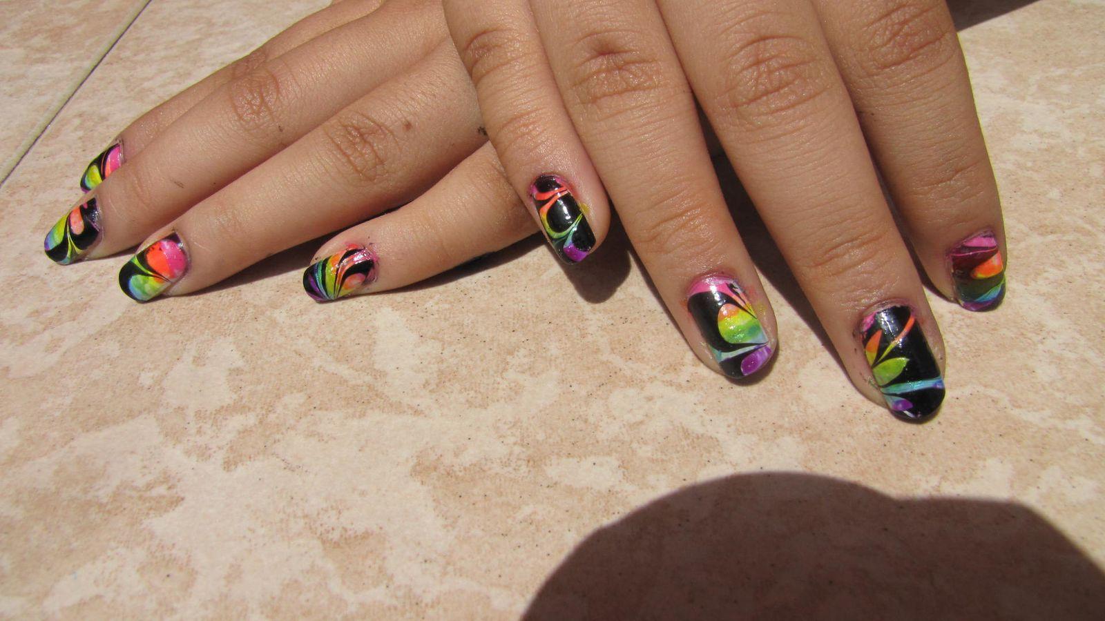 Water marble rainbow