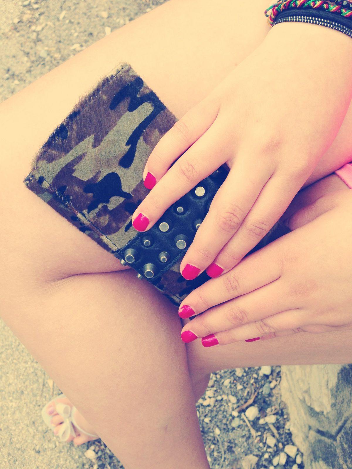 Mon portefeuille d'amour militaire a clous de chez zara