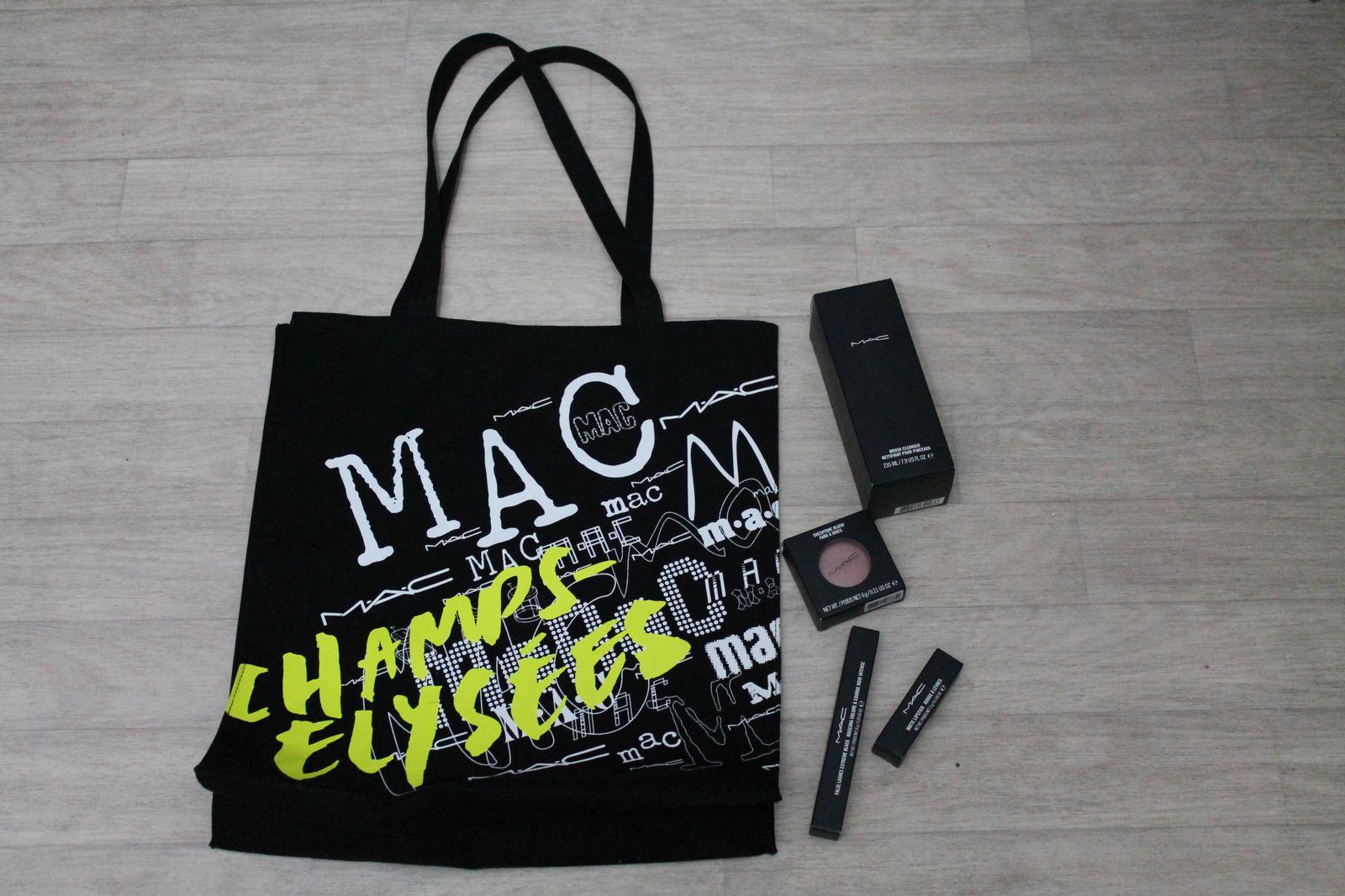 MAC - boutique des Champs Elysées