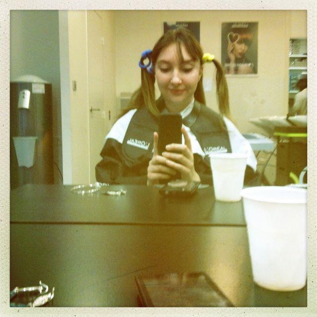 11h : Découpage de cheveux en quatres parties, sans commentaires ^^'