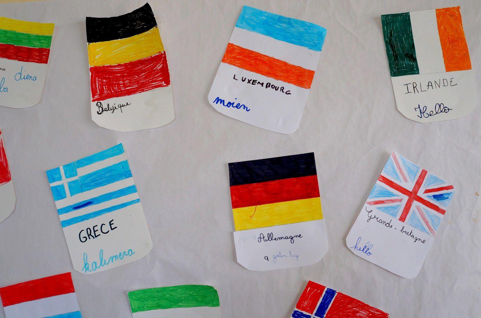 &quot&#x3B;Bonjour&quot&#x3B; dans de nombreuses langues du monde par les CE2/10