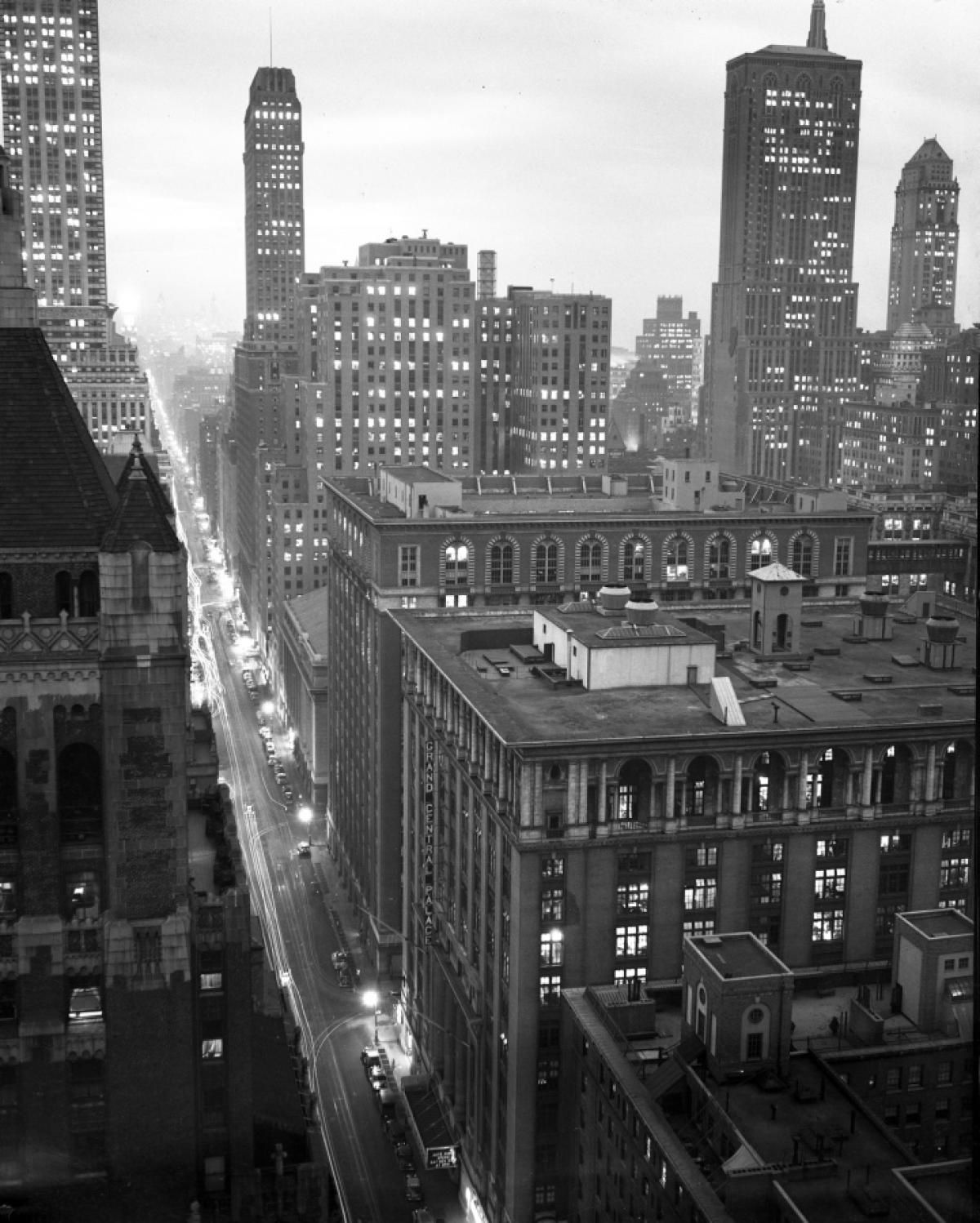 Grand Central Palace, 1935. © New York Daily News