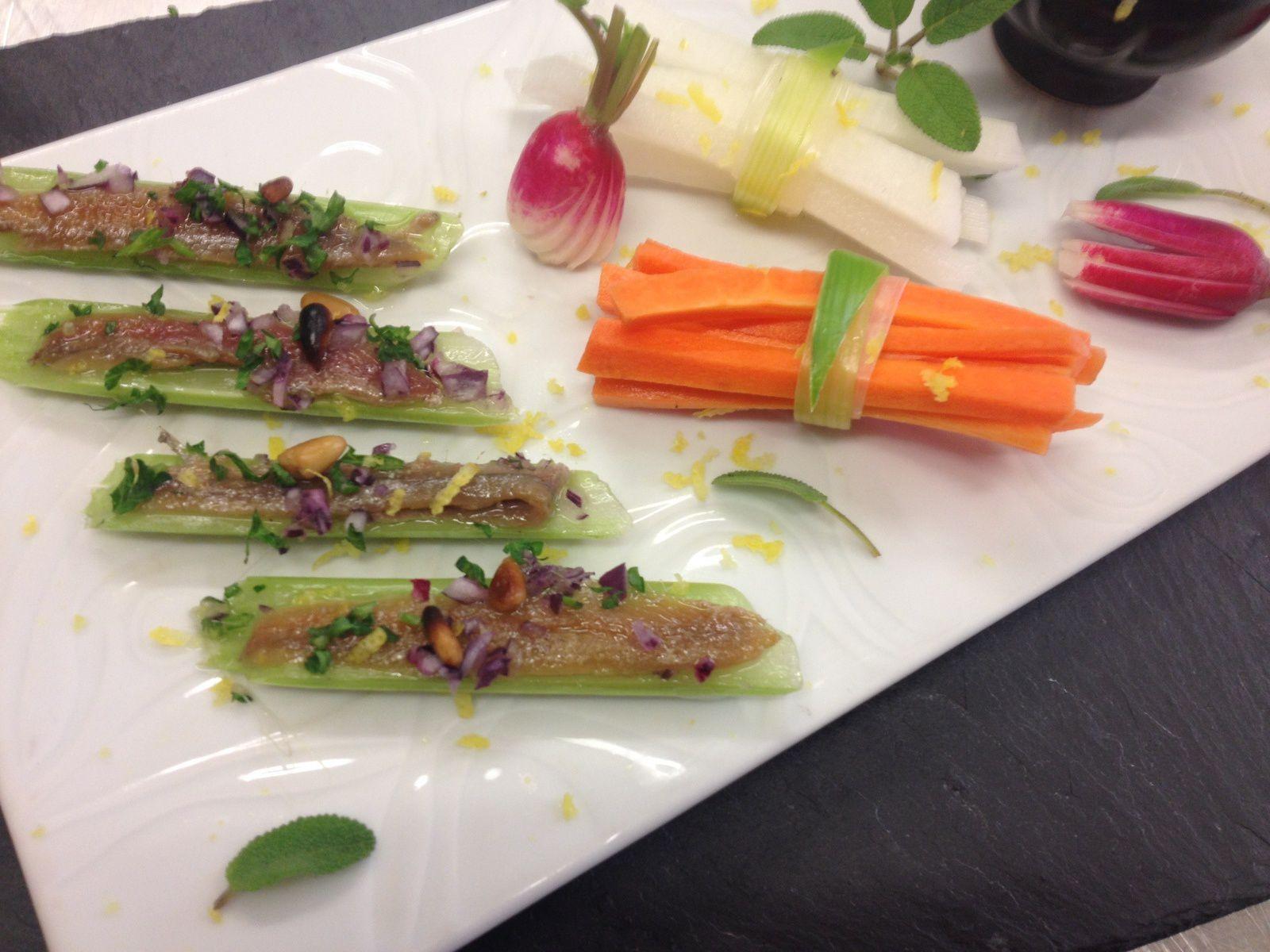 céleri macéré et anchois - batonets de carottes - radis