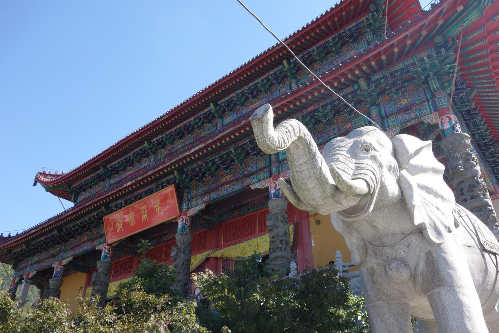 Temples bouddhistes aux milles couleurs