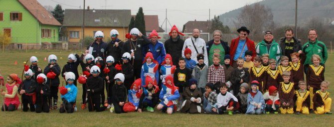 Article DNA : Clochards contre pirates - Maisonsgoutte Carnaval à l'école de football