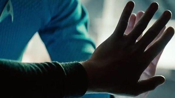 Spock et Kirk sont dans un vaisseau (Star trek into darkness de J.J Abrams)