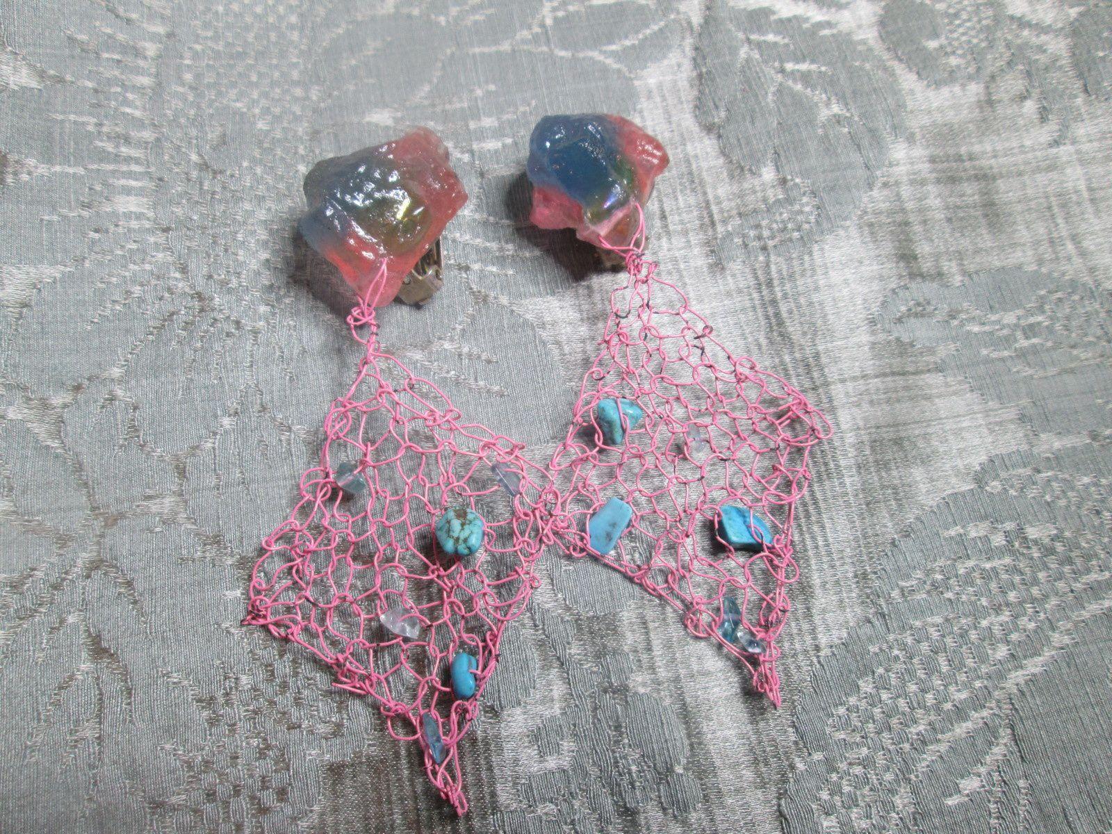 clips d'oreille résine métal-résine et pierres