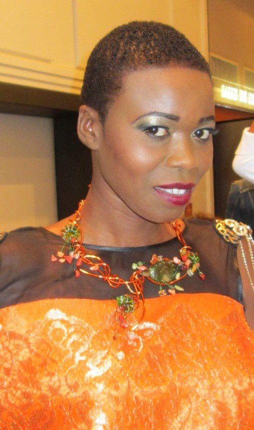 Collier Fleur porté par la trés charmante Khouda Mbaye