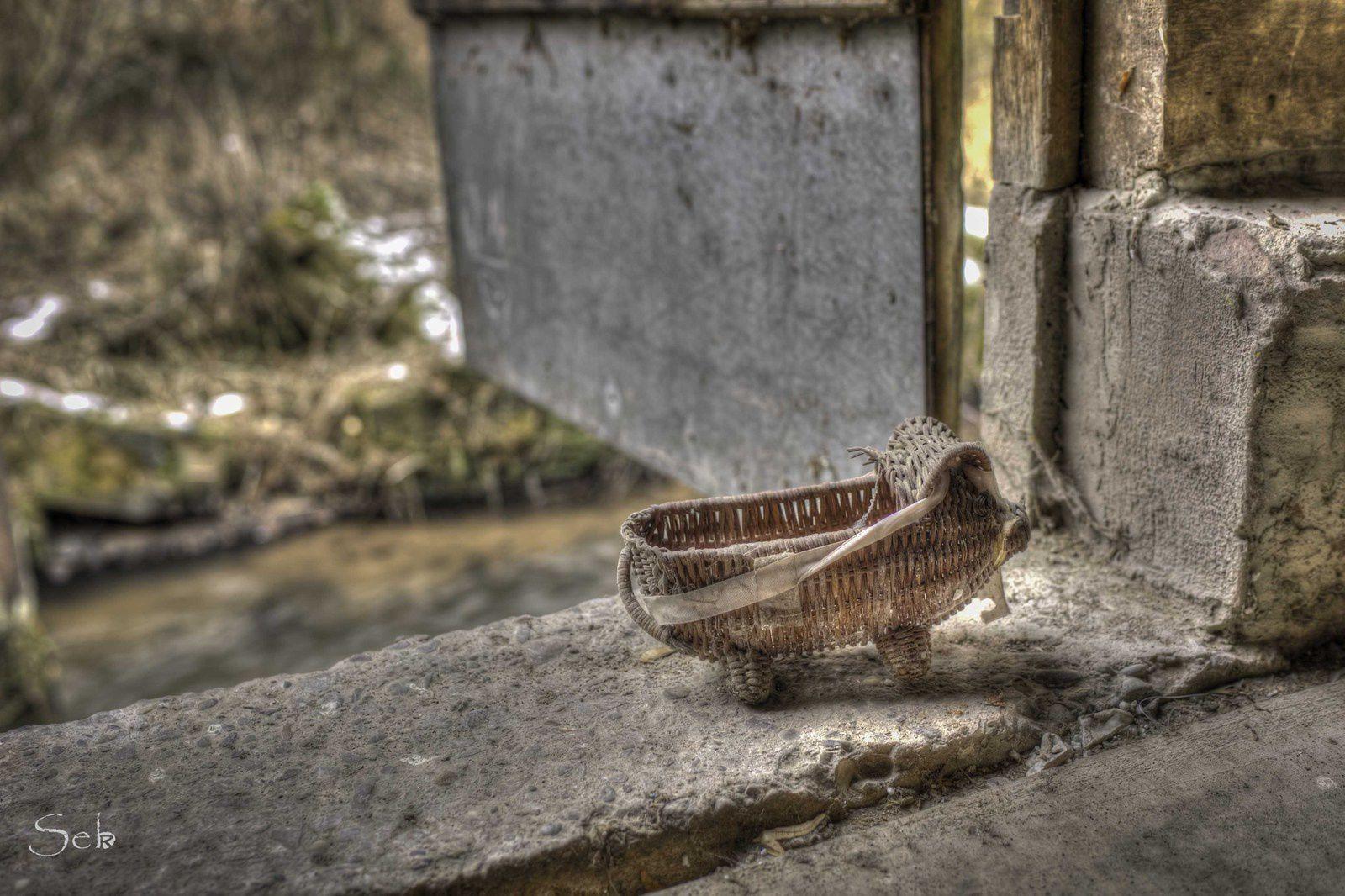 Urbex Alsace, Maison au bord de l'eau.