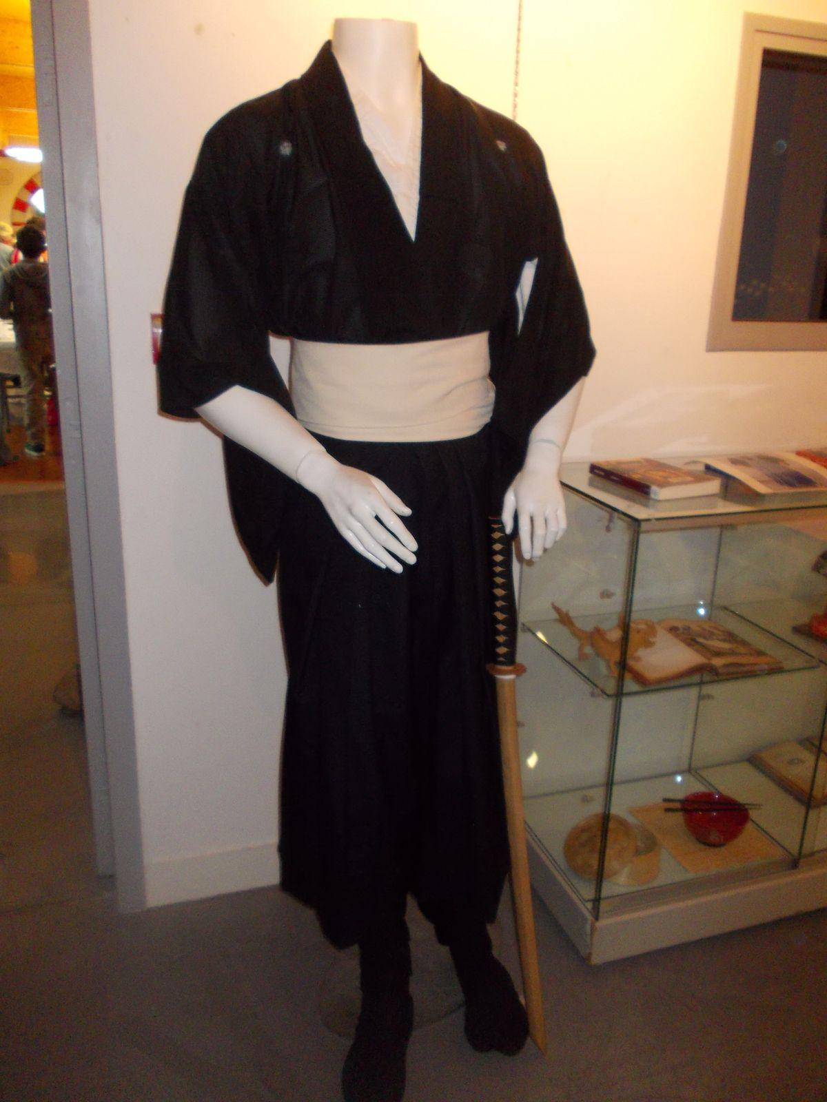 LA FARLEDE  A L HEURE DU JAPON
