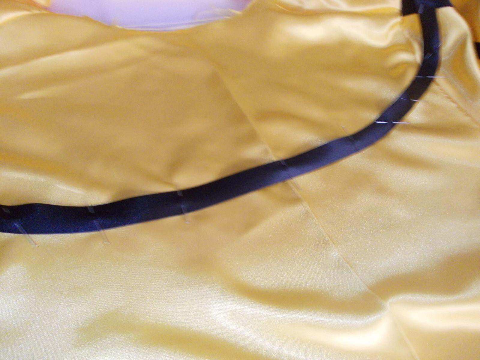 """voici les explications du biais noir sur la veste jaune """"le dos"""""""
