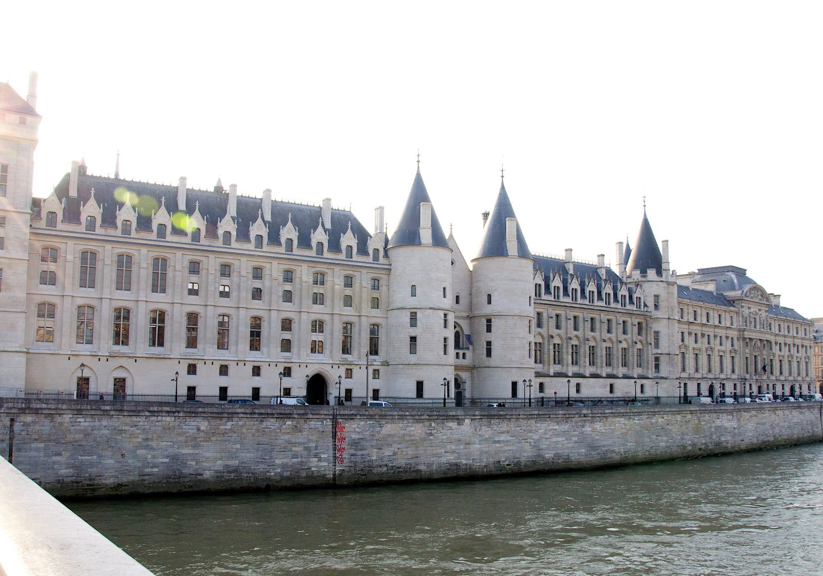 la conciergerie-Paris.