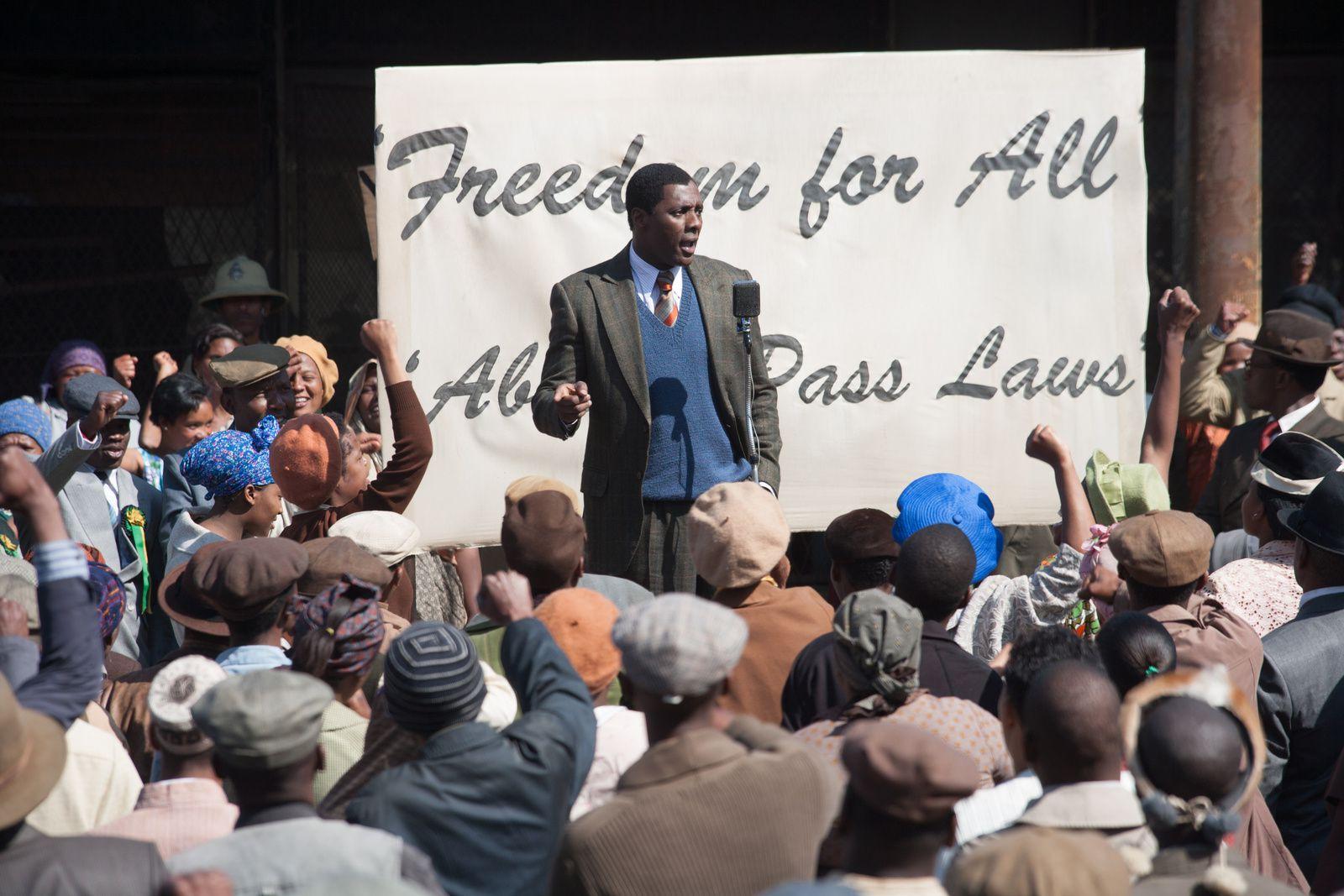 [Critique] Mandela : un biopic révolutionnaire !
