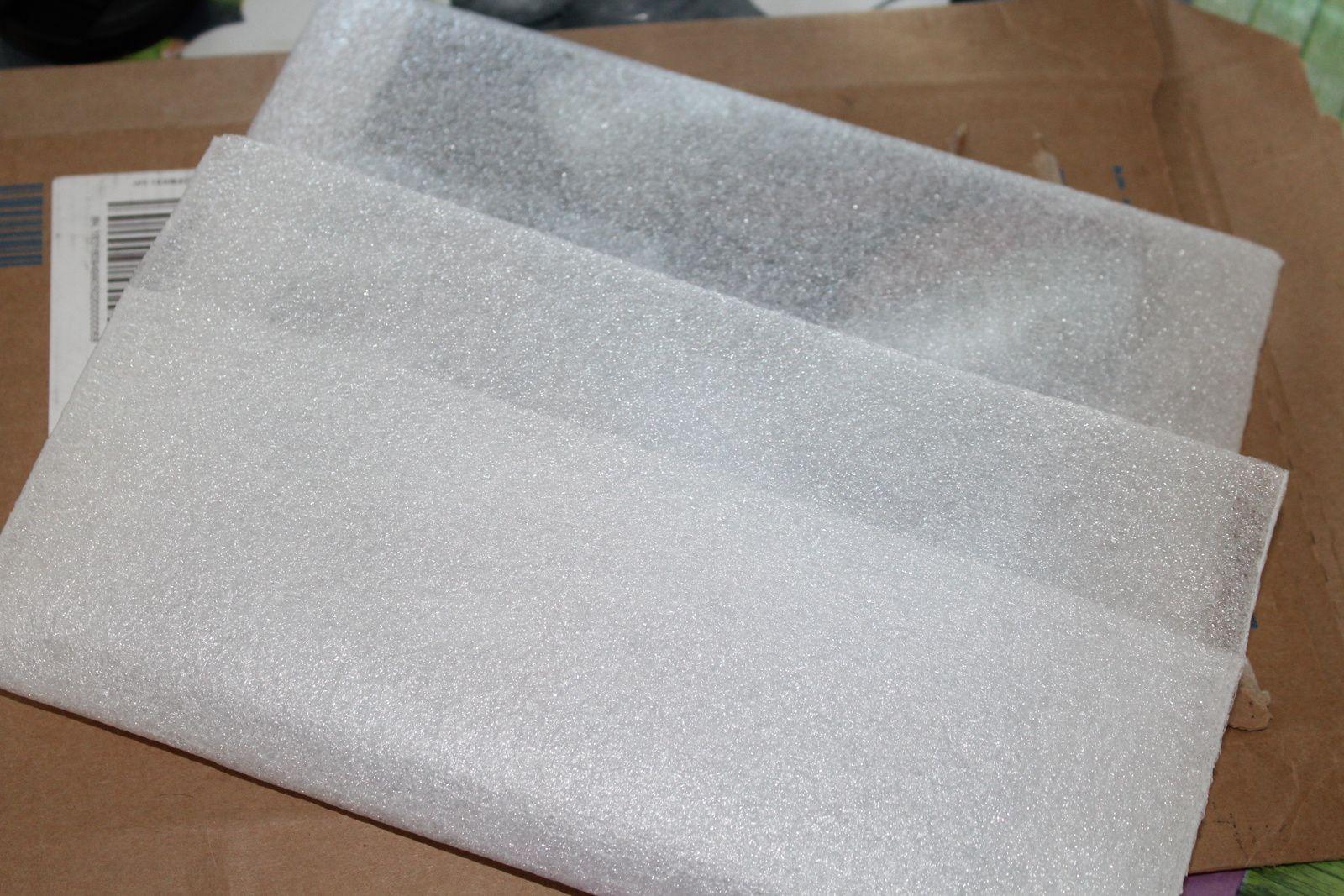"""Une enveloppe, une pochette """"moltonnée"""" et une enveloppe en plastique!!"""
