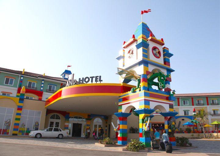 Le Legoland américain est situé à Carlsbad en Californie, il a inauguré le 5 avril 2013 son propre hôtel, le troisième du genre dans le monde (il en existe deux autres à Windsor en Angleterre et à dans la ville danoise de Billund où se situe le siège social de la firme. Photo credit: Alice Yoo