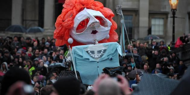 """Une effigie de Margaret Thatcher lors d'une """"fête"""" organisée après son décès, à Londres, le 13 avril 2013 [Carl Court / AFP]"""