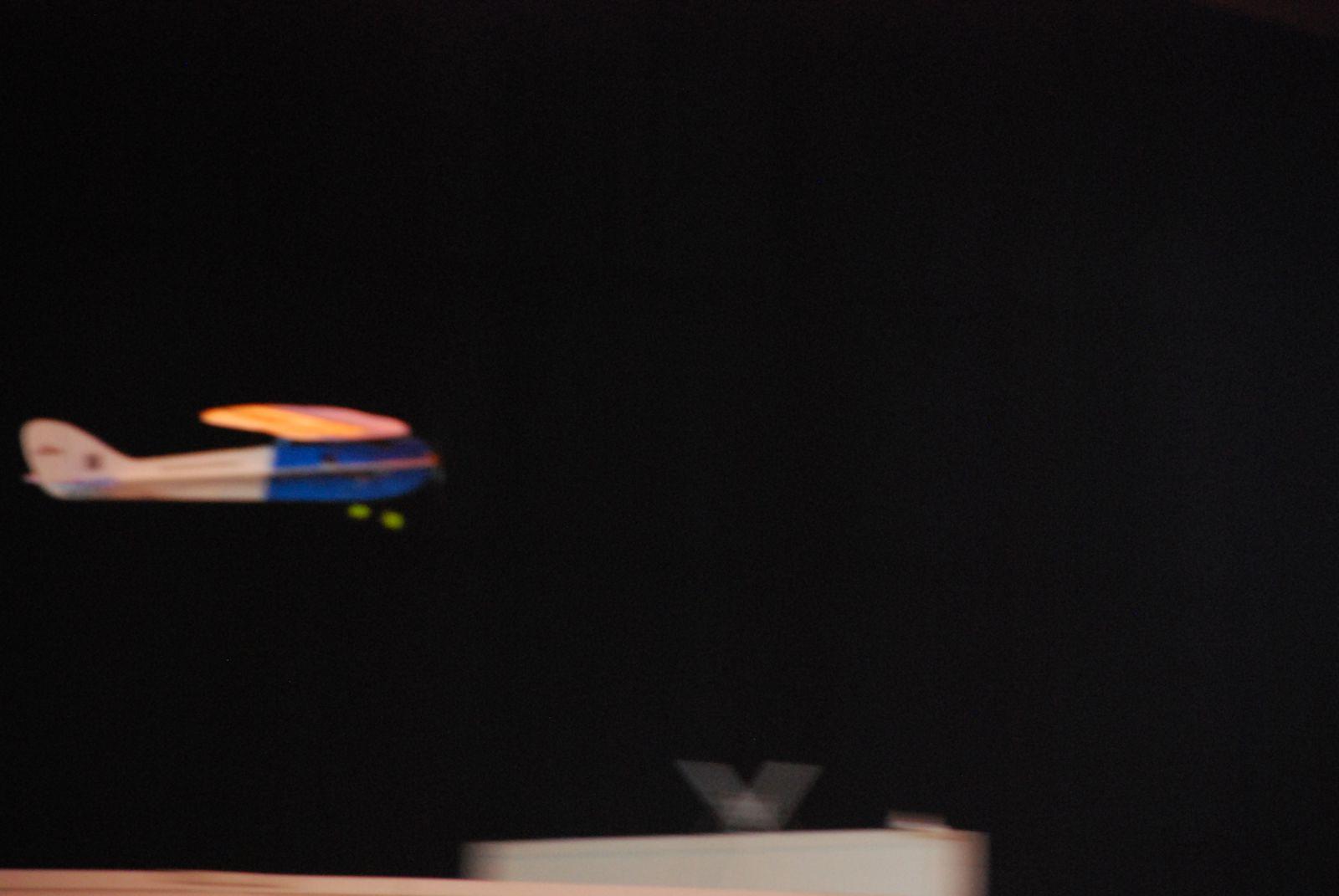 1er vol lors du salon du modelisme de chateau gontier du 10 mars 2013